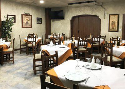 Foto del salón principal del Restaurante Casa Mónaco en Cieza.