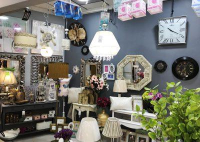 Foto del Interior de Decoravi, tienda de decoración e iluminación en Cieza.