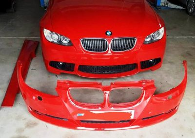 Foto del Paragolpes y taloneras de un BMW Coupe en Taller Radi-Car Cieza.