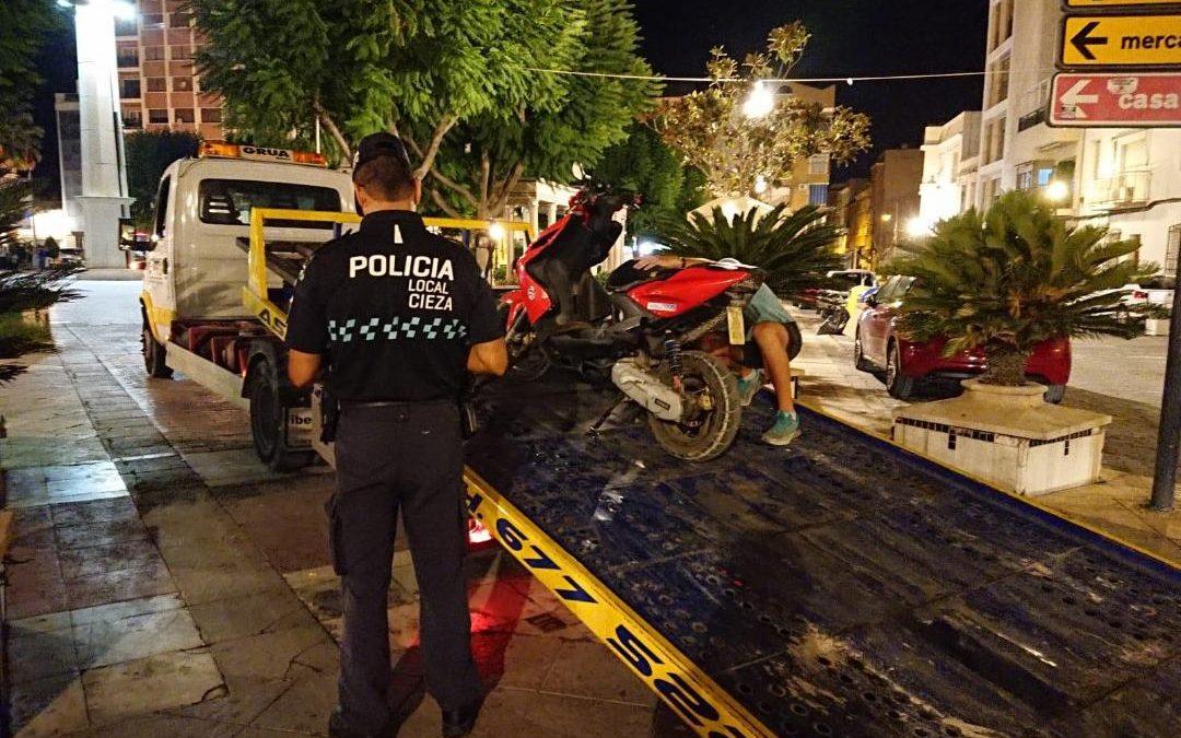 La Policía Local detiene a dos personas por violencia doméstica y delitos de circulación y a una tercera en búsqueda y captura