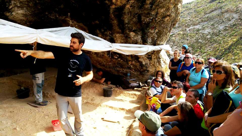 Imagen de una Visita a la Cueva del Arco, Cieza, foto de Ignacio Martín-Lerma Prehistoria.