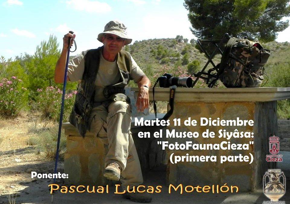 Conferencia 'FotoFaunaCieza' a cargo de Pascual Lucas Motellón