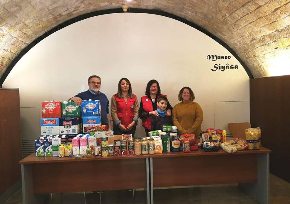 Los Voluntarios de Siyâsa entregan a Cruz Roja Española de Cieza 250 Kg de alimentos