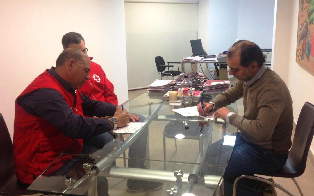 El concejal Antonio Moya firma un convenio para el desarrollo de un curso de transporte sanitario gracias al PdDL