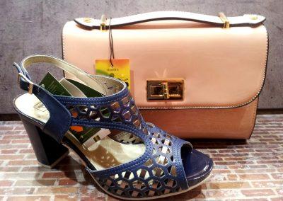 Zapato con un bolso a juego de HiperCalzados Cieza.
