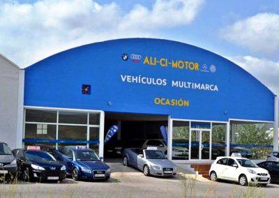 Foto de los coches en la Exposición de vehículos todos los modelos Ali Ci Motor en Cieza.
