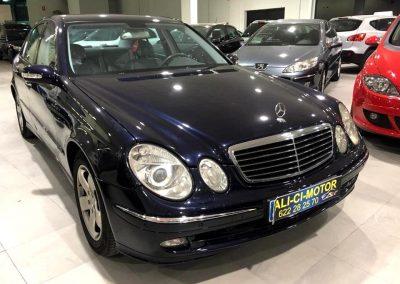 Foto del Modelo Mercedes en la exposición de vehículos Ali-Ci Motor en Cieza.