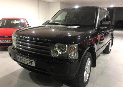 Foto del coche Land Rover en la exposición de vehículos Ali-Ci Motor en Cieza.