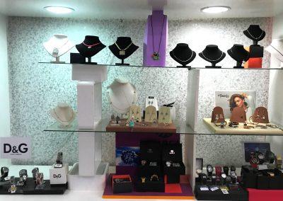 foto del Expositor de relojes y joyas en Joyería y Relojería Ruiz de Cieza.