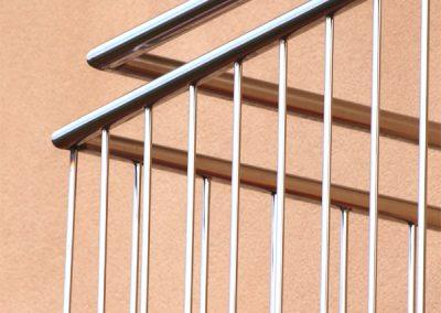 Foto de un trabajo de una Baranda realizada para cerramiento de un balcón en Cieza.