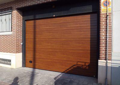 Foto de una de Puerta Seccional en Cieza.