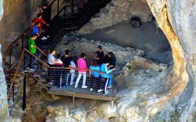 Nuevas 'Visitas Guiadas' para el mes de junio a la Cueva-Sima de La Serreta
