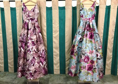 Foto de dos vestidos en Dafne tu tienda de moda y complementos en Cieza.