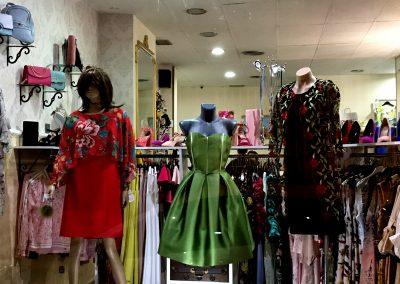 Escaparate de Dafne tu tienda de moda y complementos en Cieza.