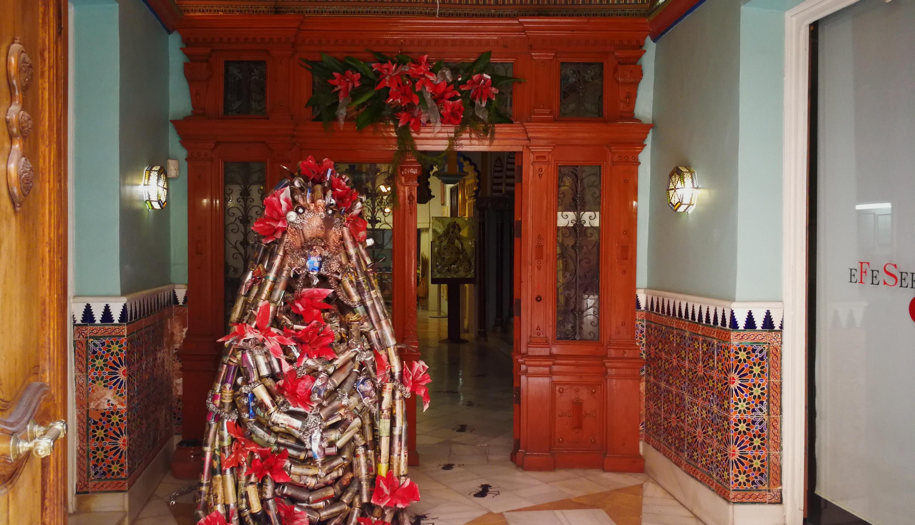 Fotografía de la entrada a la Galería eFe Serrano de Cieza.