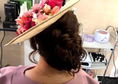 fotografía del Peinado y recogido de chica en Peluquería Ana Belén Estilistas en Cieza.