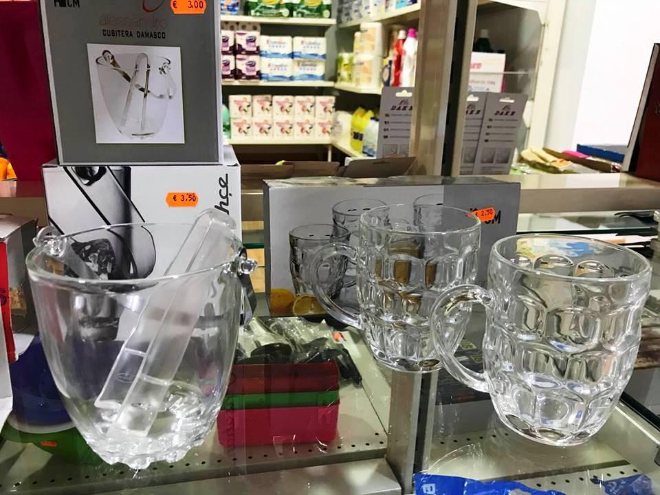 Foto de los Vasos y cubiteras en Mil Kosas Cieza.