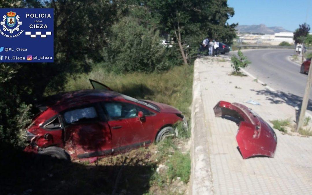 Nueva salida de un vehículo en la conocida 'Curva del Cementerio'