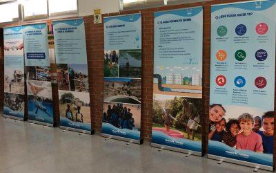 """Manos Unidas presenta durante estos días en el IES Los Albares su exposición """"Agua"""""""