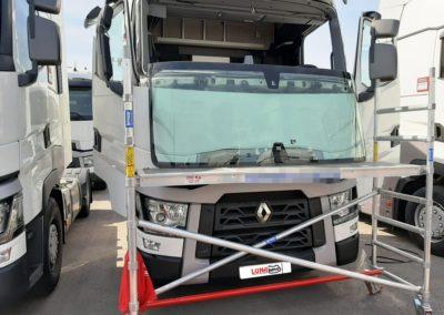 Reparación de LunaRapid Cieza en camión.